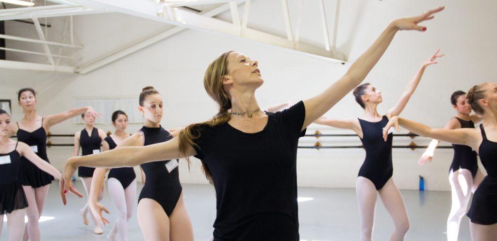 Maria Kowroski teaching class